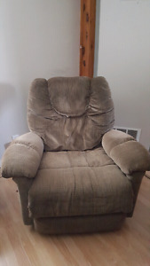 Extremely comfy captains chair - swivels & reclines