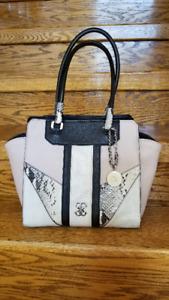 New Authentic GUESS Satchel Tote Shopper handbag