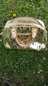 Michael kors purse must go!!