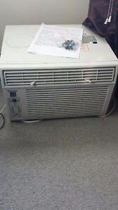 Window ac unit MOVING SALE London Ontario image 1