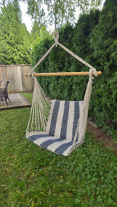 outdoor upright seat hammock (pick up only)