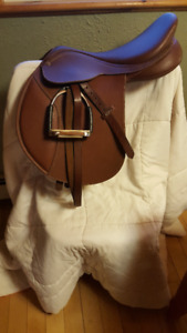 """17.5"""" - Chestnut in Color - Wintec Contact Saddle with CAIR"""