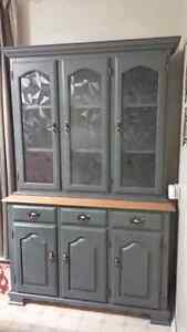 Beautiful solid wood display cabinet  2 pieces, Hutch and Buffet Kitchener / Waterloo Kitchener Area image 1