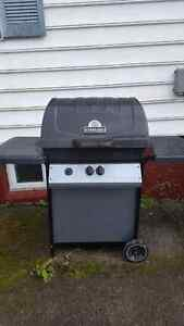 Sterling 40 000 BTU propane BBQ, great grill