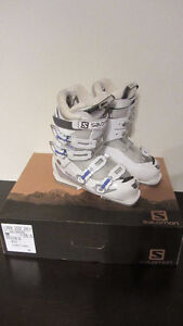 Salomon ski boots Girls size 25.5 Youth - used 5 times West Island Greater Montréal image 3