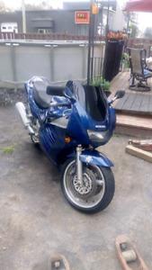 Rf 900rr parfaite condition !!!! Echange