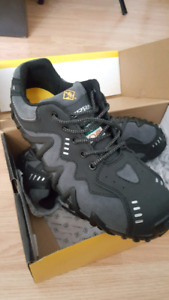 """*BRAND NEW* Terra """"Spider"""" Safety Shoes Size 10.5"""