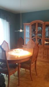 Mobilier salle à manger en frêne massif couleur miel