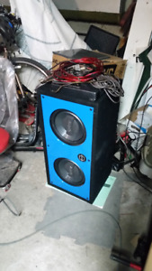 Subwoofers with amp