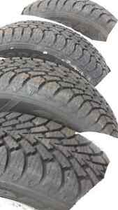 Pneus d'hiver Goodyear winter tires 195/70/14 (99.9 % neuf/new)