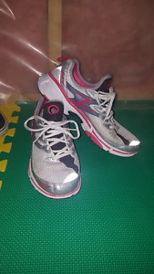Running shoes sizes 9-10