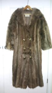Manteau de fourrure à vendre