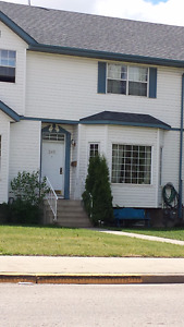 Clean 3 bedroom Townhouse for Rent