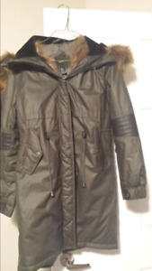 Ladies winter coat small size. Brand new
