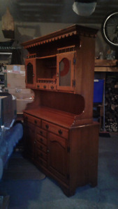 Solid Maple Buffet & Hutch