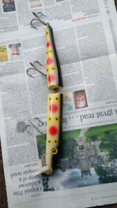 Wooden Giant Jointed Pikie Muskie Lure - Strawberry Scale