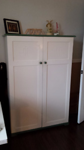 Belle commode (armoire)