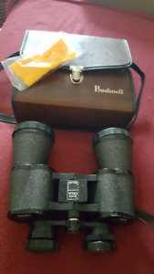 Bushnell 10 x 50 binocular with original case.