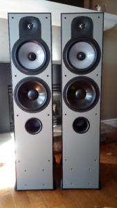 Paradigm Monitor 9 V4 Floor Standing Tower Speakers