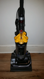 Dyson dc33 multi floor upright vacuum cleaner excellent condition