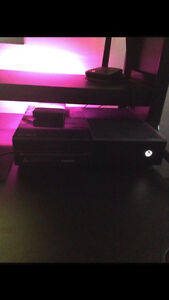 Xbox One 500Gb with standard Xbox One controller