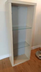 Hanging cabinet