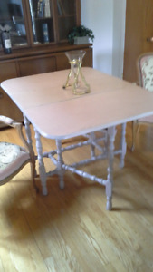 Table en cerisier