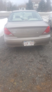 2003 kia spectra with 134 000 km