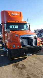 2006 freightliner century day cab Detroit 445hp!! Trade 2012 up