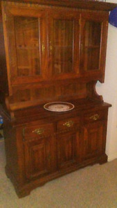 China Cabinet Amazing Shape And Condition