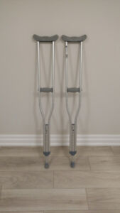 Lightweight Aluminum Crutches (Adjustable Heights)