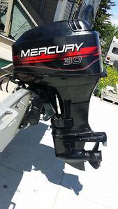Moteur hors-bord Mercury 30 HP 2001