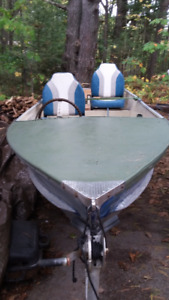 ::: 12' ALUMINUM BOAT WITH TRAILER WITH STEERING :::