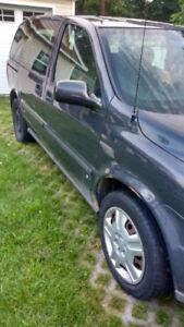 Chevrolet Uplander 2008 Minivan en bon état