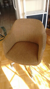 Stylish Vintage Chair. London Ontario image 2