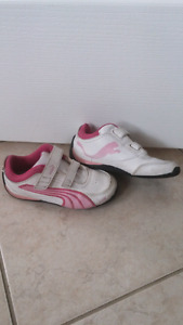 Girls toddler puma shoes size 9