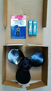 9.9 to 15 hp 2 stroke Johnson Evirude prop, nut and plugs