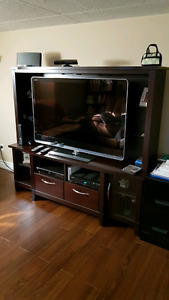 Wall unit for tv