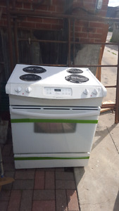 Good condition stove Frigidaire works good