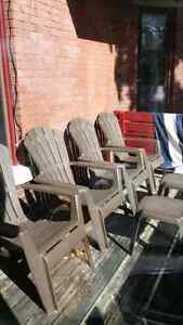 5 Patio Chairs and 2 side tables $30
