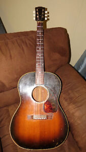 1948 Gibson LG-2 Acoustic Guitar. RARE. VINTAGE.