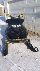2003 summit 800 HO----need gone----and gear