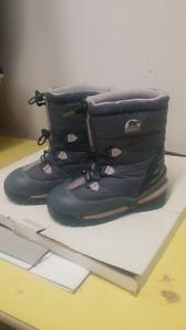 Kids Sorel Winter Boots - girls size 3