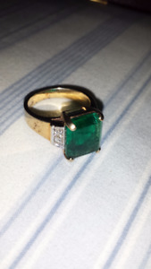 ladies emerald and dianond ring