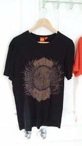 Hugo Boss men's t-shirts in excellent condition