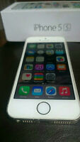 iPhone 5S GOLD Factory Unlocked + Otterbox's