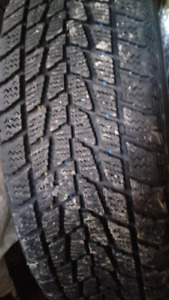 pneu hiver toyo 195/65r15