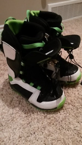 Youth size 5.5 snowboard boots