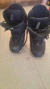 Roxy sixe 9 snowboarding boots