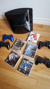 PlayStation 3/PS3 + 4 controlers + 4 games